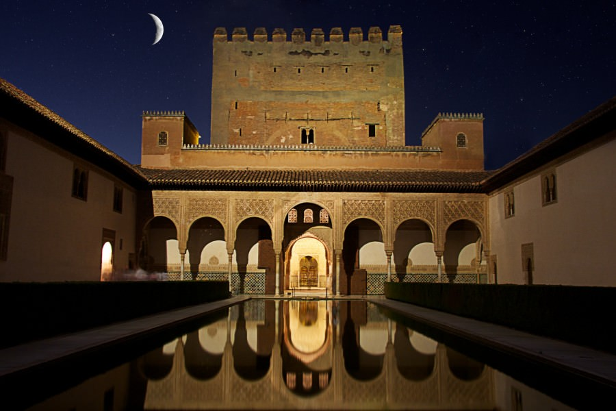 Alhambra by moonlight 1001 nights